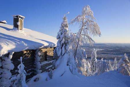 Blick von einem der Ferienhäuser von Iso-Syöte hinunter ins Tal
