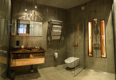Badezimmer in den Nordlichtsuiten