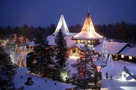 Panoramaaufnahme vom Weihnachtsmanndorf